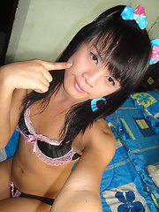 All natural Ladyboy girlfriend Por with her pink butt plug