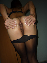 Sexy Fa shows pantyhose ass