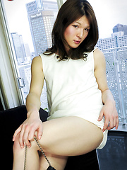I'm proud to introduce the latest beauty to our site, the lovely Kaoru Shiraishi. Take a moment to soak in her beauty!