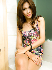 Nith is a stunning ladyboy from Phnom Phen, Cambodia