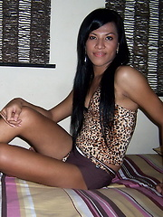 Balinese ladyboy flashing her meat and her love orifice
