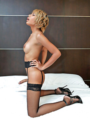 Could this be Bangkok's sexiest jerking ladyboy?