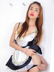 Julia Shiroya makes her debut on Piladyboy!