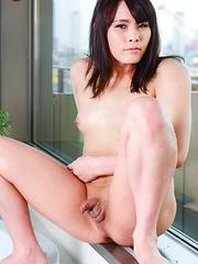 Osaka sweetheart Erena Yuuki