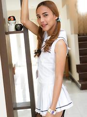 Sprung Femboy Schoolgirl